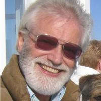 Dr Alan Mackley